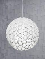 Lampa z papierowych kubeczków. Jak zrobić ją samodzielnie? Instrukcja krok po kroku