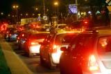 Wrocław: Trudne warunki do jazdy, potężne korki [SPRAWDŹ]