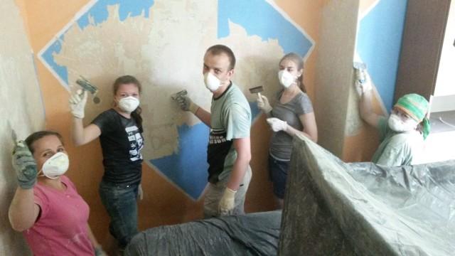 """Akcję """"Pomaluj świat"""" wolontariusze z Olesna prowadzą od 11 lat."""