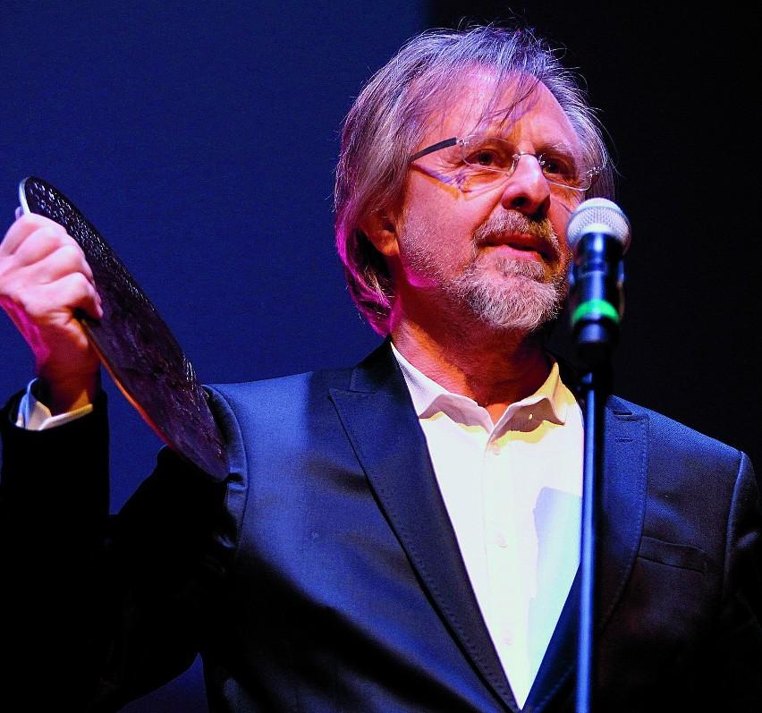 """Przez """"Głos"""" kompozytor został uhonorowany Nagrodą Pracy..."""