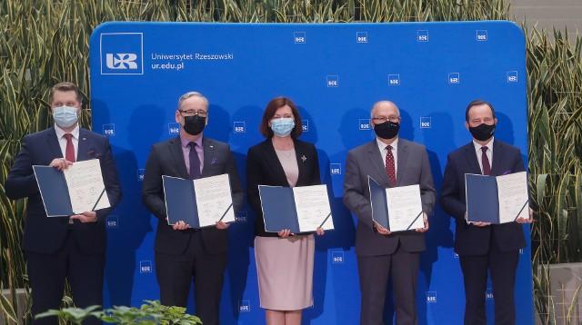 Podpisanie deklaracji współpracy w sprawie budowy Szpitala Uniwersyteckiego w Rzeszowie.