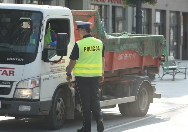 Policja kontroluje kierowców, ale nie zawsze jest w stanie stwierdzić, czy ktoś prowadzi np. pod wpływem narkotyków.