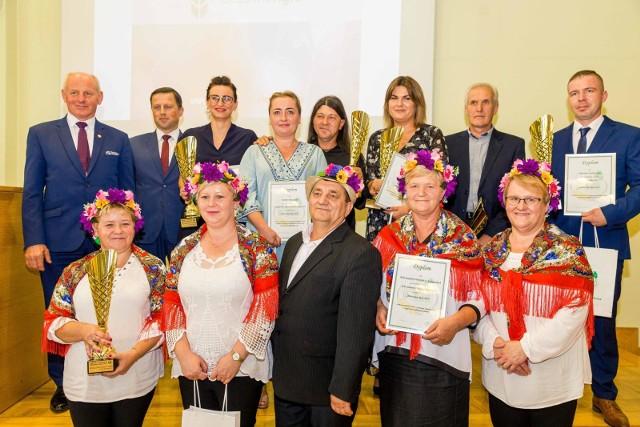 Zdobywcy 1. miejsc w poszczególnych kategoriach w plebiscycie Mistrzowie Agro 2019
