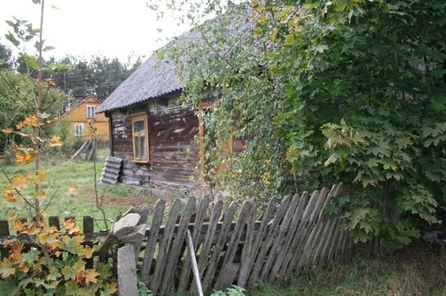 Pan Eugeniusz żyje nadzwyczaj skromnie w tym drewnianym domu