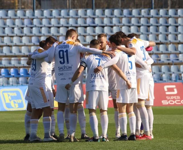 Piłkarze Ruchu Chorzów kontynuują zwycięską passę. W sobotę pokonali w Brzegu Stal