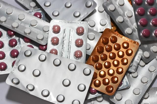 19 września GIF wydał aż 10 decyzji o wstrzymaniu popularnych leków. Chodzi o środki stosowane w leczeniu chorób żołądka.