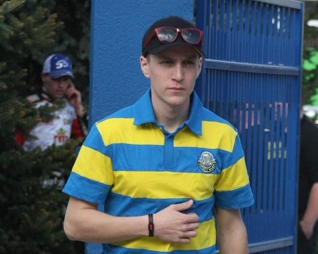 Na początku sezonu Linus Sundstroem zmagał się z urazem kolana. Teraz przez trzy tygodnie będzie leczył złamaną rękę.