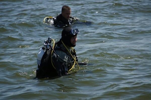 W akcji ratownikom z Niemiec pomagały polskie służby: jednostki Morskiej Służby Poszukiwania i Ratownictwa z Trzebieży oraz dwa zastępy Straży Granicznej.