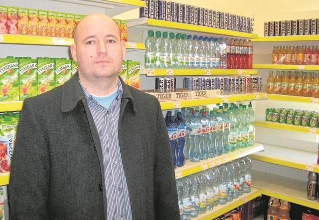 Paweł Koper zanim zasiadł w zarządzie spółki i został radnym, miał sklep. Tam też zaczęły się jego kłopoty finansowe
