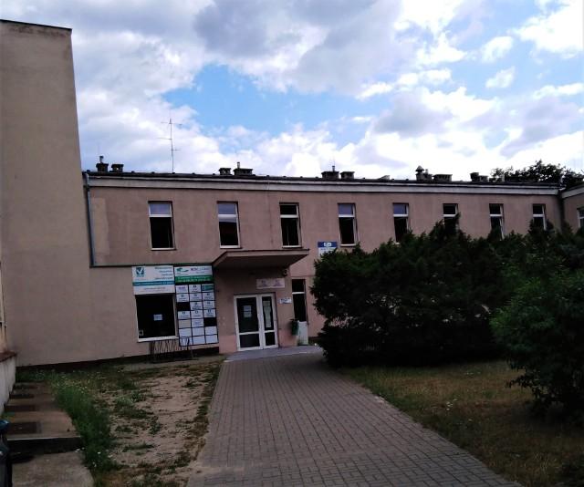 Ul. Czerkaska 22, budynek byłej Przychodni Leśna. To w tym obiekcie spółka Słoneczny Park uruchomi nową placówkę podstawowej opieki zdrowotnej.