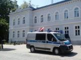 Pijany policjant z Wąbrzeźna miał prawie wjechać w ojca z trójką dzieci. Trwa śledztwo