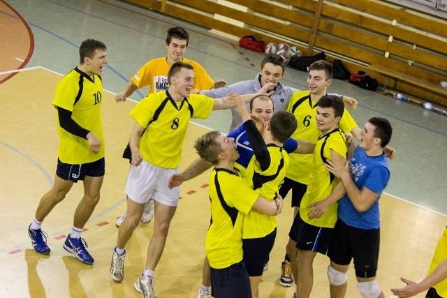 Drużyna Osiedle Team Przysucha wygrała jubileuszową edycję Przysuskiej Amatorskiej Ligi Piłki Siatkowej