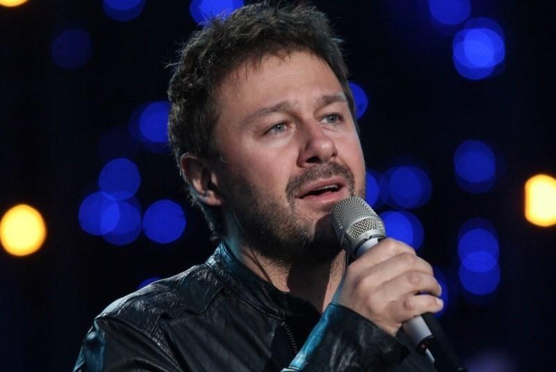 Andrzej Piaseczny zaśpiewa w Opolu w poniedziałek.