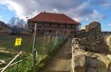 Nowa atrakcja turystyczno-kulturalna w gminie Zagórz. Trwają prace przy budowie Centrum Kultury [ZDJĘCIA]