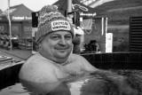 Nie żyje Mariusz Jaworski, założyciel staszowskich morsów. Przegrał walkę z koronawirusem. Miał zaledwie 43 lata