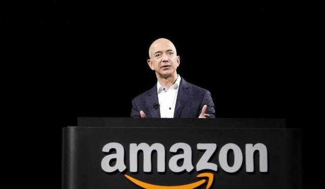 Majątek Jeffa Bezosa szacuje się na 151 miliardów dolarów