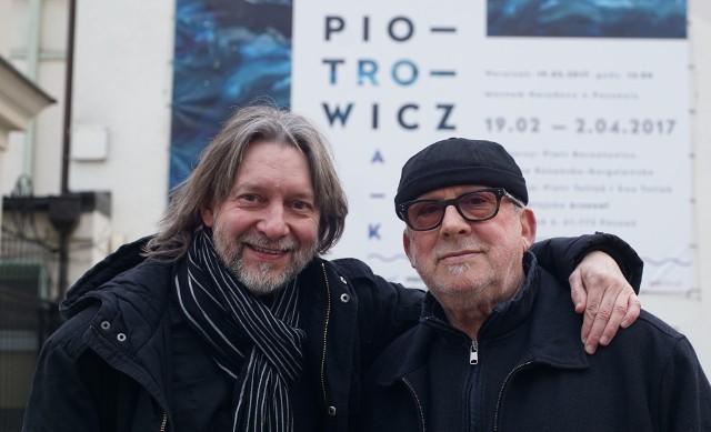 Ryszard Książek (z lewej) i Wojciech Makowiecki robią, co mogą, aby twórczość Jerzego Piotrowicza przybliżać poznaniakom. Obecnie można jego prace obejrzeć aż na pięciu wystawach w Poznaniu