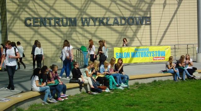 W 2013 r. Centrum Wykładowe Politechniki Poznańskiej zgromadziło liczną grupę uczniów szkół średnich podczas Salonu Maturzystów Perspektywy.