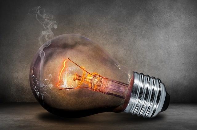 Chcesz zaoszczędzić? Sprawdź, które z domowych urządzeń elektrycznych pobierają najwięcej energii elektrycznej. ZOBACZ TEŻ: Wielka awaria sieci elektrycznej w Argentynie. Nawet 44 miliony ludzi odciętych od dostaw prądu
