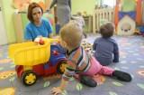 Z katarem do żłobka i przedszkola. Rodzice wciąż przyprowadzają chore dzieci, które powinny być w domu