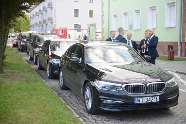 Zakupionych ma zostać 308 samochodów, które mają trafić m.in. do Ministerstwa Finansów, resortu przedsiębiorczości, MON, MSZ i resortu zdrowia.