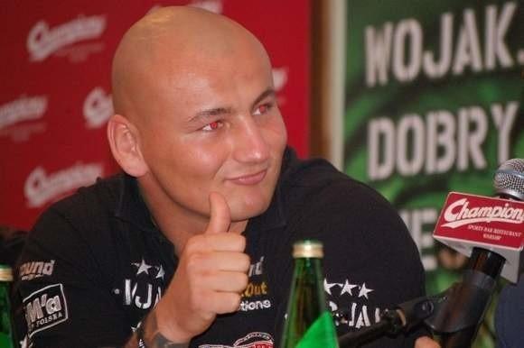 - Artur Szpilka to dwie różne postacie: spokojny i grzeczny facet w życiu, a w ringu jest jak tajfun - mówi o swoim podopiecznym promotor Piotr Werner.