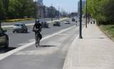 """Czy na  ścieżkach rowerowych powinny pojawić się """"garby"""" ograniczące prędkość. To pomysł warszawskiej radnej... Co o tym myślicie? [SONDA]"""