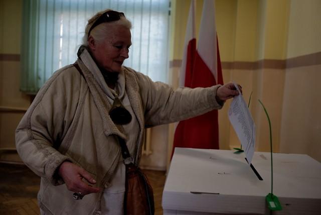 Wybory do rad osiedli w Poznaniu odbędą się w niedzielę, 24 marca 2019 roku.  Na kogo głosować w wyborach do rad osiedli?Przejdź do kolejnego zdjęcia --->
