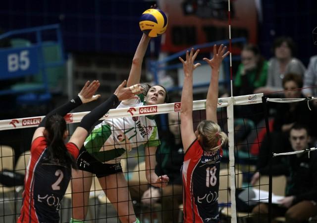Megan Courtney (na zdjęciu) - jak cała wrocławska drużyna - grała we wtorek nierówno. Impelki rzadko potrafiły zatrzymać Kaję Grobelną, która po raz 11 w sezonie została wybrana zawodniczką meczu