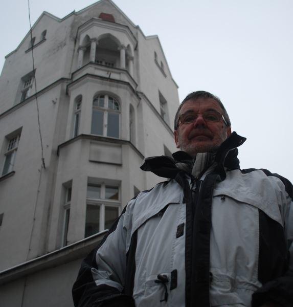 - Jednym przedsiębiorcom prezydent odmawia wykupu lokalu, innych w tym wspiera - mówi Janusz Banczerowski. - Najsprawiedliwiej byłoby, gdyby pomieszczenia przy Krakowskiej 51 wystawił do sprzedaży w otwartym przetargu - dodaje biznesmen.