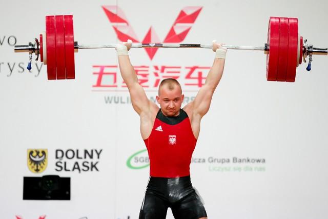 Krzysztof Zwarycz zamyka pierwszą dziesiątkę. Sztangista Górnika Polkowice wyrwał podczas MŚ mały brązowy medal.