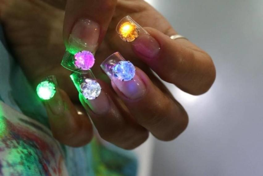 To są pazury! LED.