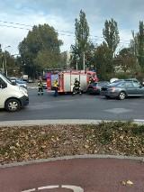 Wypadek na skrzyżowaniu alei Zwycięstwa i ul. Stryjskiej w Gdyni. Zderzenie dwóch aut osobowych [zdjęcia]