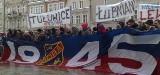 Rozpoczęła się manifestacja kibiców Odry pod ratuszem