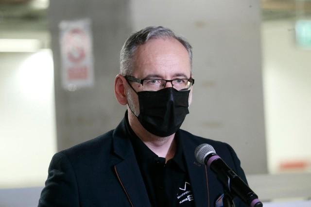 IV fala koronawirusa. Minister zdrowia Adam Niedzielski: Poziom tysiąca zakażeń dziennie osiągniemy w drugiej części września