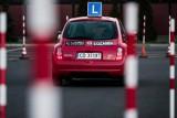 Zdajesz na prawo jazdy? To musisz zrobić podczas egzaminu [lista]