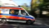 Wypadek w Rydułtowach. Motorowerzysta zderzył się z busem. Droga zablokowana