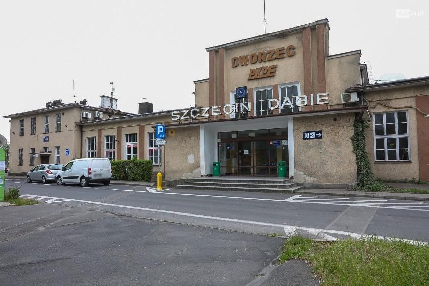 Dworzec w Dąbiu.