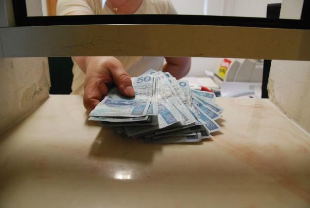 Wypłaty 500 złotych na dziecko powinny ruszyć od 1 kwietnia.
