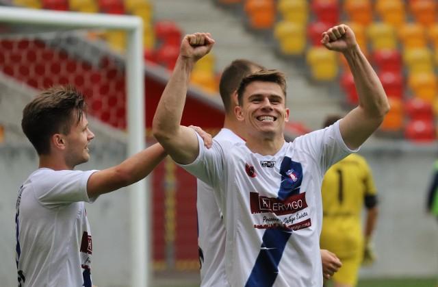 Kamil Zalewski zdobył dwa gole dla Olimpii Zambrów w wygranym meczu ze Zniczem Biała Piska.