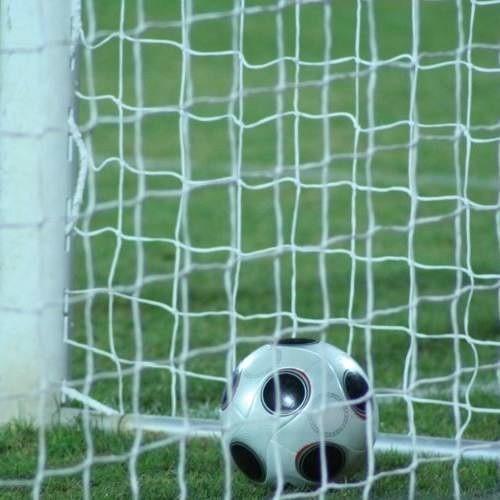 Bramkarz MKS Kluczbork musiał raz wyciągać piłkę ze swojej bramki.