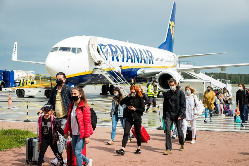 Paszport covidowy ma ułatwić podróżowanie po krajach Unii...