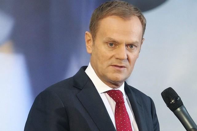 - Cieszę się, kamień spadł mi z serca - powiedział Donald Tusk na wieść o kandydaturze Jarosława Gowina.