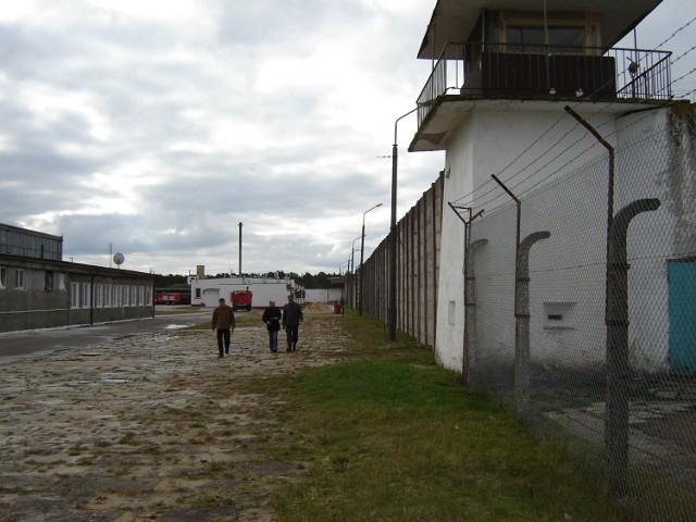 Sławomir H., mężczyzna, który przed tygodniem podczas bójki w celi Zakładu Karnego w Czarnem zabił współwięźnia, usłyszał zarzut zabójstwa