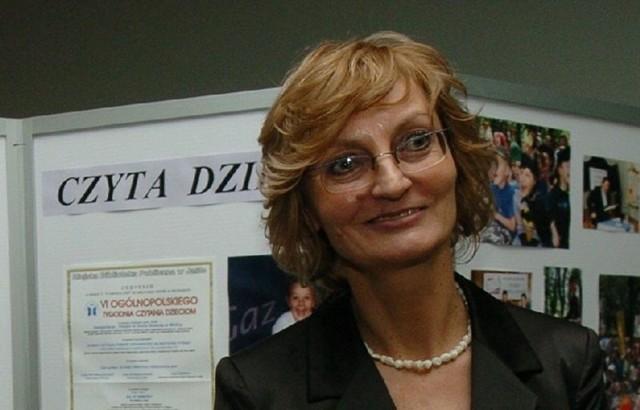 """-  Serdecznie zapraszamy na konferencję: """"Wychowanie przez czytanie"""" - mówi Małgorzata Piekarska, dyrektor MBP w Jaśle."""