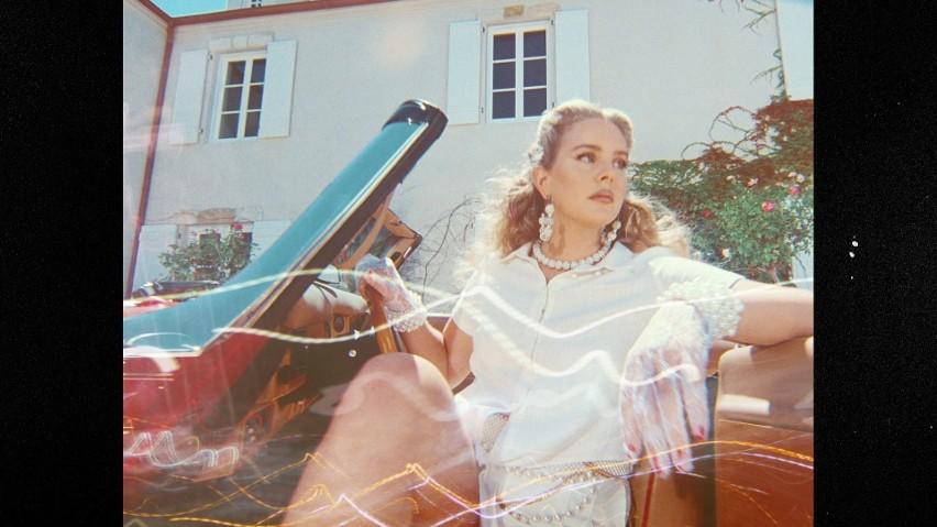 """Lana Del Rey wydaje siódmą płytę. Premiera """"Chemtrails Over..."""