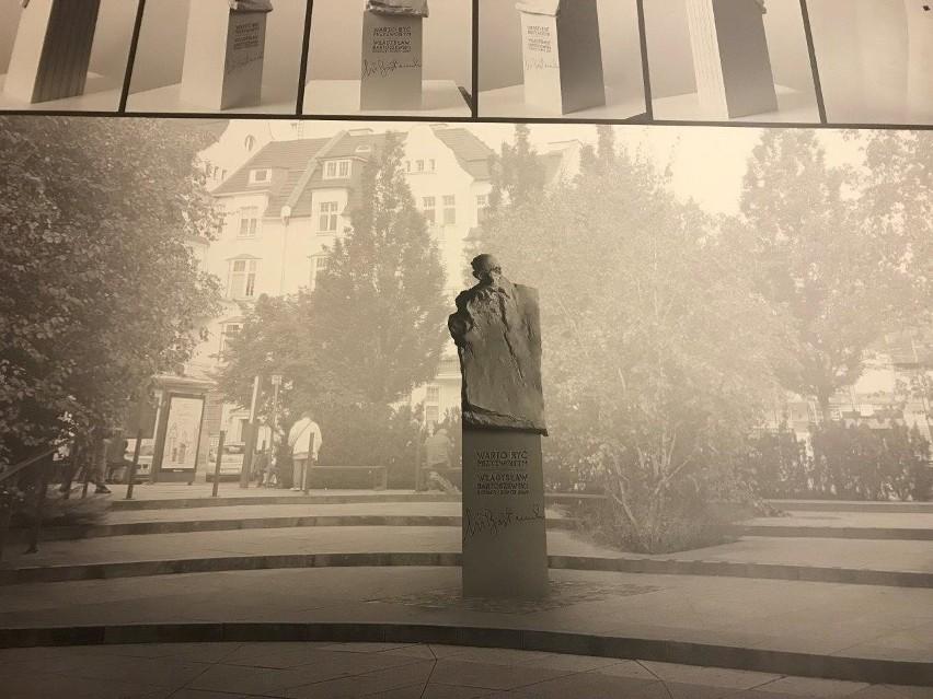 Tak wyglądał projekt pomnika Władysława Bartoszewskiego autorstwa Jacka Kicińskiego jeszcze przed naniesieniem poprawek