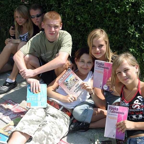 Kiermasz książek zorganizowano w czwartek w Gimnazjum nr 11 w Rzeszowie.