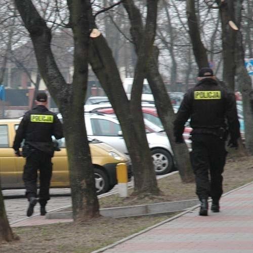 Staruszka znalaźli policjanci na bagnie około 800 metrów od domu