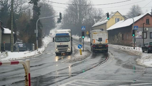 W Byczynie, dzielnicy Jaworzna, powstanie estakada przy DK79. Obecnie dzielnica dzielona jest na pół. O inwestycji słyszeliśmy od lat.